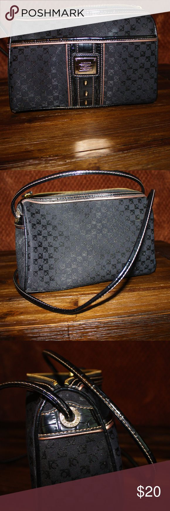 Liz Claiborne Shoulder bag Liz Claiborne Shoulder bag , used , great condition. Liz Claiborne Bags Shoulder Bags