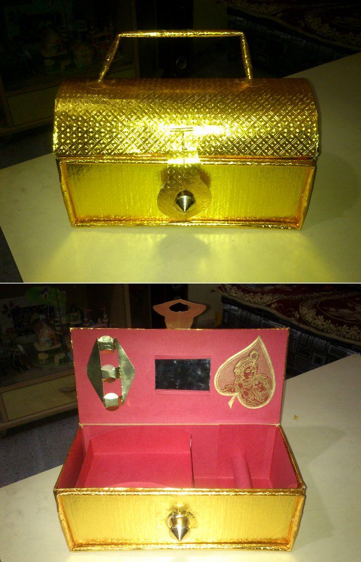Paper craft jewellery box