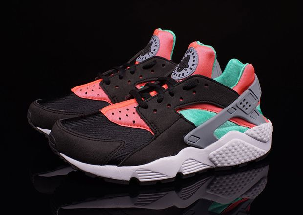 nike womens air huarache hot lava 1 sneakers. Black Bedroom Furniture Sets. Home Design Ideas