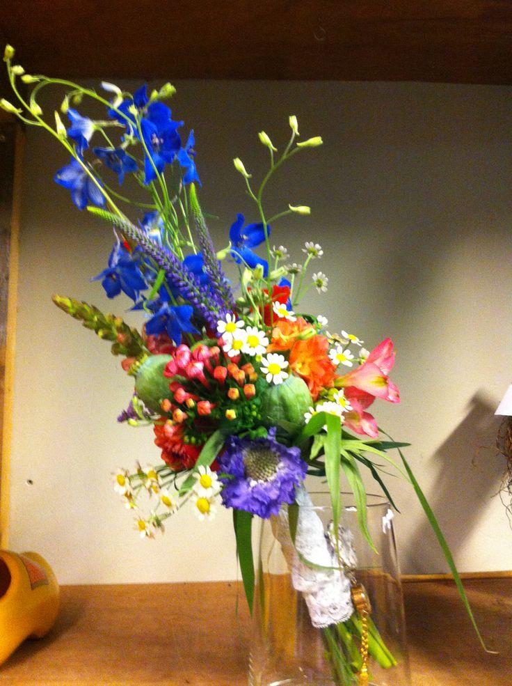 Bruidsboeket veldbloemen. Karin van Sleeuwen | bloemen & meer...