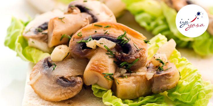 Sonbahar mevsiminin besinlerinden biridir mantar. Peki, mantarın vücudumuza faydalarını biliyor musunuz?  Yaklaşık 100 gram mantar;  Bir yetişkinin günlük selenyum ihtiyacının yaklaşık %32'sini,  Bakır ihtiyacının %20'sini,  Potasyum ihtiyacının %10'unu ve protein ihtiyacının %4'ünü karşılar.