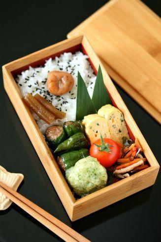 竹弁当 : Slowly every day... Delicious home made Japanese bento box. Made with local natural ingredients.