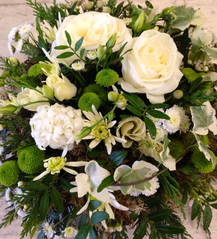 Cream & Greens Posy Pad