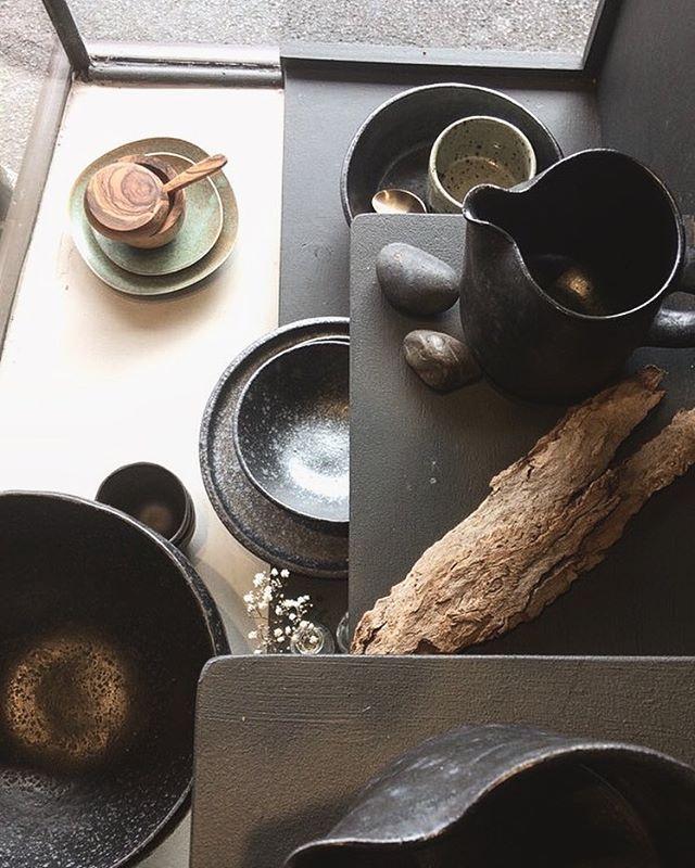 Saturday morning, Fitzroy. #stilllife #uscha #uschadesign #shopwindow #balance #handmade #melbourne #ceramics #ceramicjugs #homewares #kitchen #bowl #plates #olivewood #brasscutlery #sharonalprenlifeofuscha