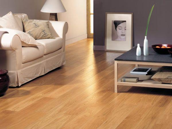 Mantenere il pavimento in legno sempre vivo? Si può