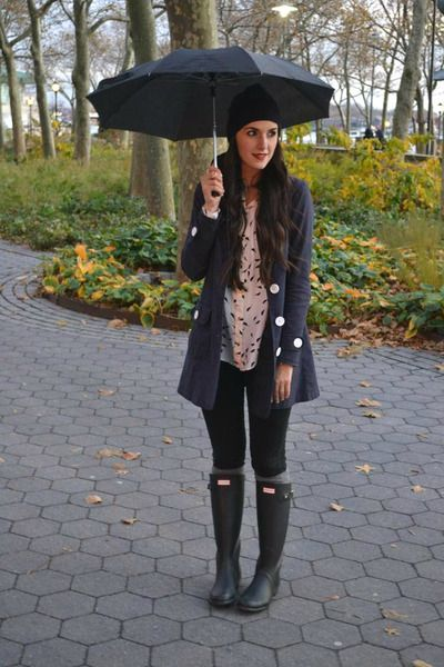 10 Cool Ways To Wear Your Old Rubber Rain Boots This Spring | StyleCaster- I love the jacket combo~