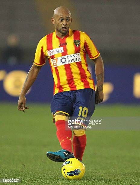 Ruben Oliveira of Lecce in action during the Serie A match between US Lecce and SS Lazio at Stadio Via del Mare on December 10 2011 in Lecce Italy