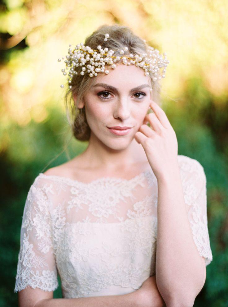 Enchanted Forest Styled Shoot. Hair Halo by #bridelaboheme .Photography by Katie Grant  ( Instagram @bridelaboheme)