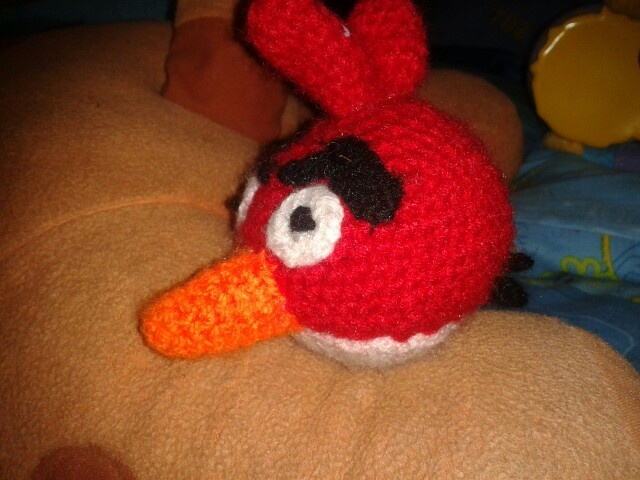 Amigo rojo como le dice Kike a angry birds rojo.