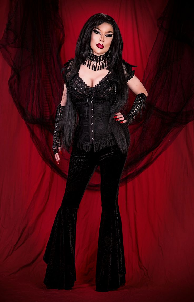 https://flic.kr/p/Z9qfUZ | Gothic diva look | Makeup by Amanda Richards, backdrop by Diana Brooks