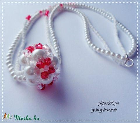 Piros-fehér bogyós nyaklánc és fülbevaló (gyorgyi24) - Meska.hu