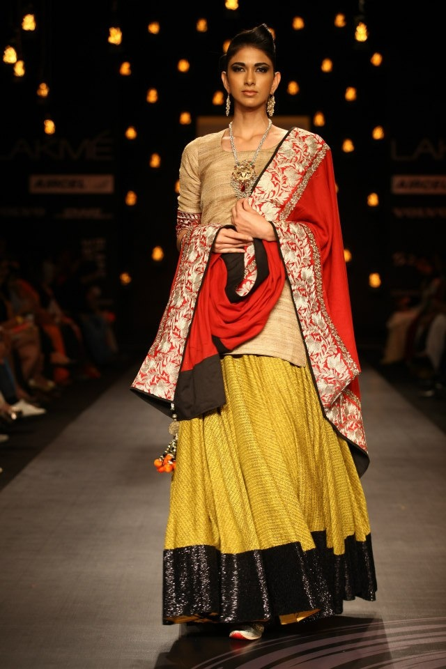 Vikram Phadnis Lakme Fashion Week Collection Designs Shows Lehengas Sarees Pictures And Photos On Bigindianwedding