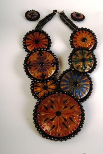 Necklace set gourd        Added by Miriam Joy