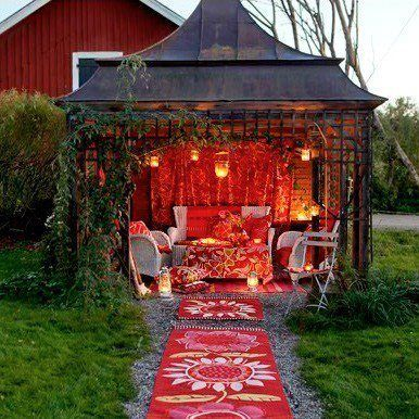 Cosy unique and well lit gardenroom sheds comfy for Unusual garden rooms
