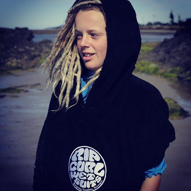 @ethanprice45  testing out the new Wet As Hooded Towel.  Now available at @chillelifestyle #ripcurl #feelslikesummer #dayatthebeach #tassie #dreads