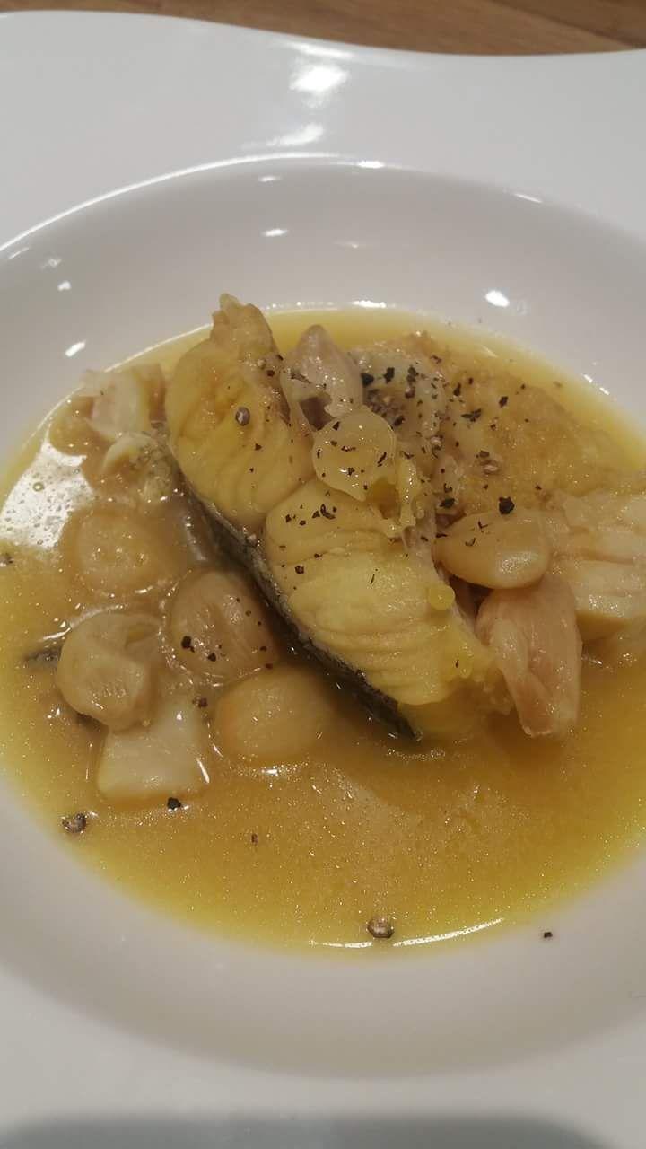 Μπακαλιάρος παστός σε κρεμμυδόζουμο. Δυνατή συνταγή σούπας που θα λατρέψουν όσοι αγαπούν τον μπακαλιάρο!
