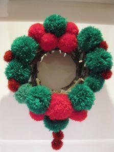 Ya se acerca el tiempo de Navidad...y muchos de vosotros empezáis a pensar en cómo adornar vuestra casa, vuestra habitación, nuestra cla...