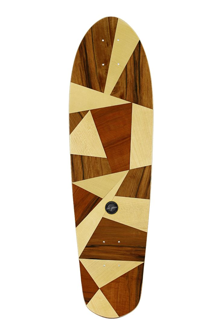 A classic hand-shaped 7 layer Canadian Maple mini cruiser with a blunt nose, friendly kicktail and is easy to carry. It will be the centre of attention everywhere you take it. This board comes with the classic beyou gloss topping which gives you perfect grip and a surf like feeling on the street. Each board is 100% handcrafted in our workshop in Byron Bay, Australia.