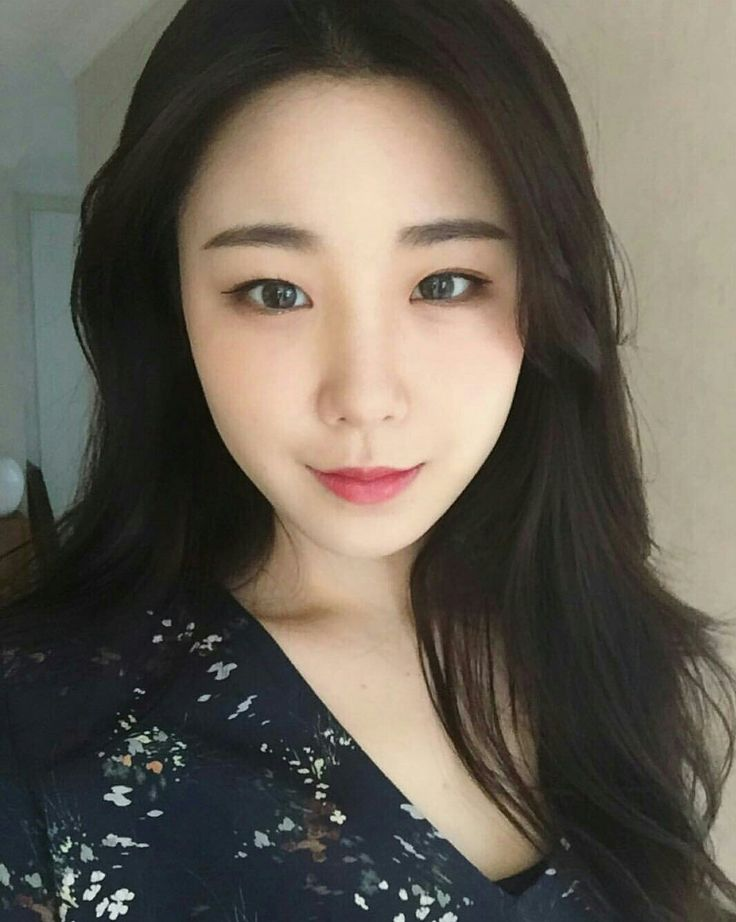 Beautiful friend Sunhwa 💗💗. She is Sunny's 💗💗 cheeky cousin 😘