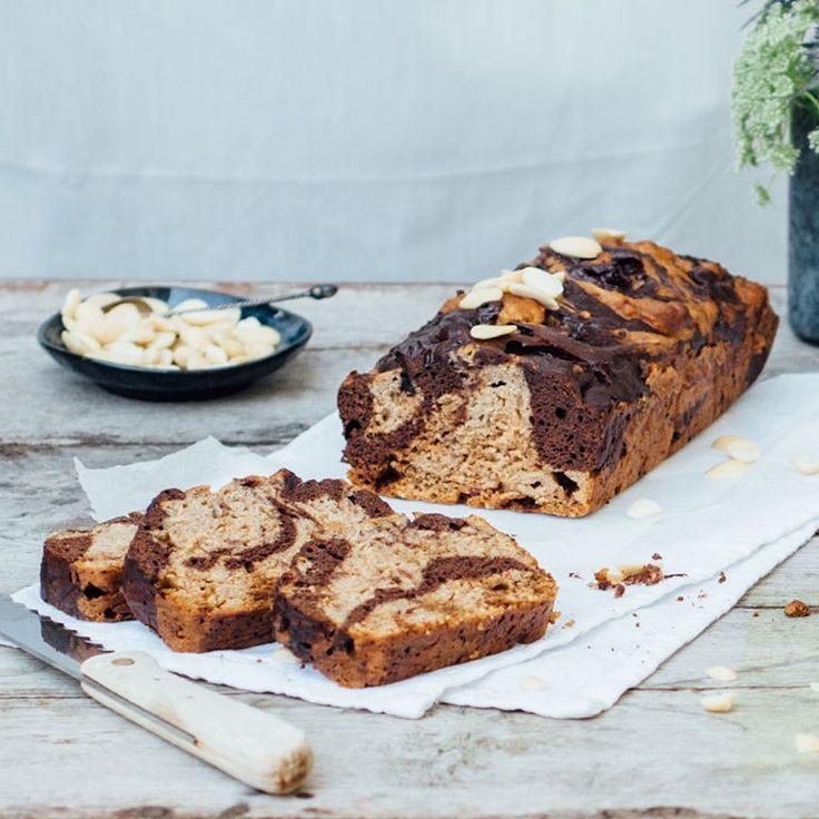 Met dit recept van Lisa Stel uit haar boek'Lisa goes Vegan'maak je een heerlijk luchtig bananenbrood. Denk je eieren nodig te hebben voor een luchtige cake? Think again! Dit is haar meest gemaakte recept. Waarom? Omdat onderstaande geniale en...