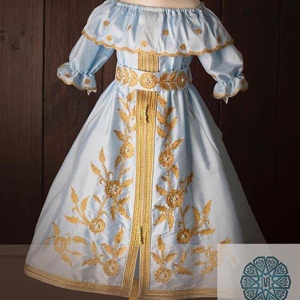قفطان حرير مغربي ازياءمغربية تكشيطة مغربية ازياء تفصيل تصميم خياطة عروس دبي الامارات العين ابو Edgy Fashion Outfits Kids Dress Baby Girl Dresses