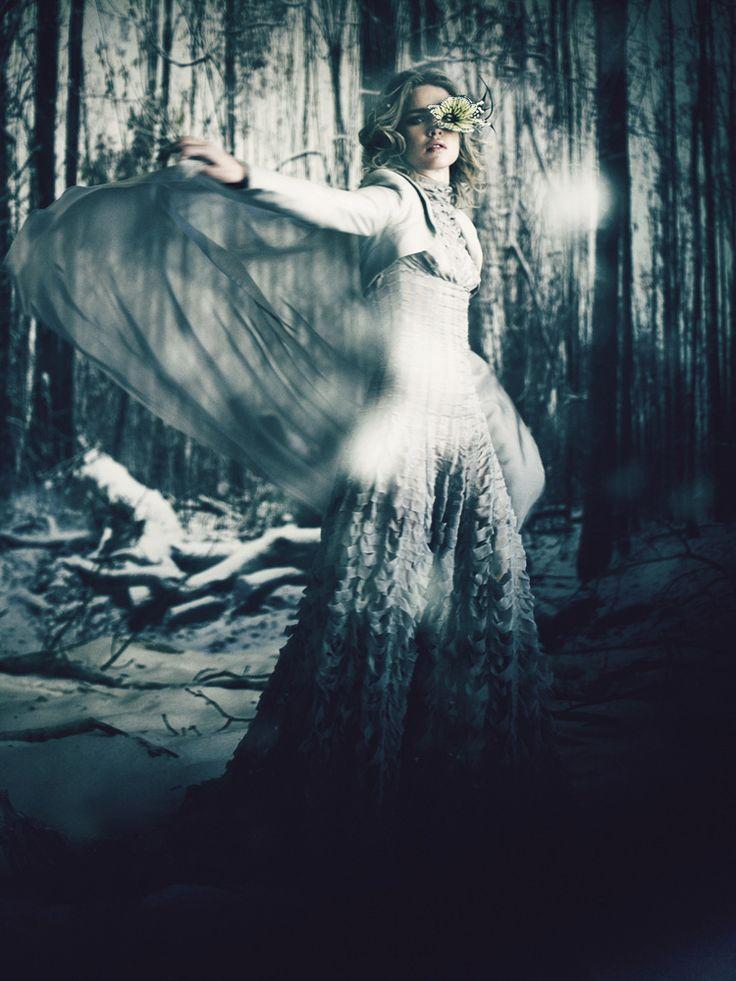 Giovanna Battaglia - Natalia Vodianova – The White Fairy Tale Garreth Pugh by Paolo Roversi