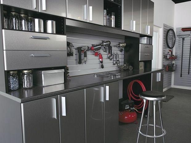 Contemporary Garage With High Ceiling French Doors Concrete Floors Paint Built In Bookshelf C En 2020 Armoire Rangement Garage Armoire Garage Interieur De Garage