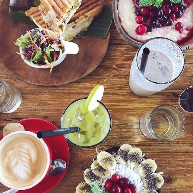Reposting @kayucafegili: What's important about breakfast is who you share it with... 💕💕 . . 📷 @madeleneskitchen Thanks for an amazing capture 😘 . . #indonesia #lombok #gilitrawangan #bali #breakfast #brunch #goodmorning #food #foodies #foodporn #love #yummy #travel #foodblog #holiday #picoftheday #instadaily #instafood #instapic #photooftheday #tbt #tb #wanderlust #nofilter #monday #funday