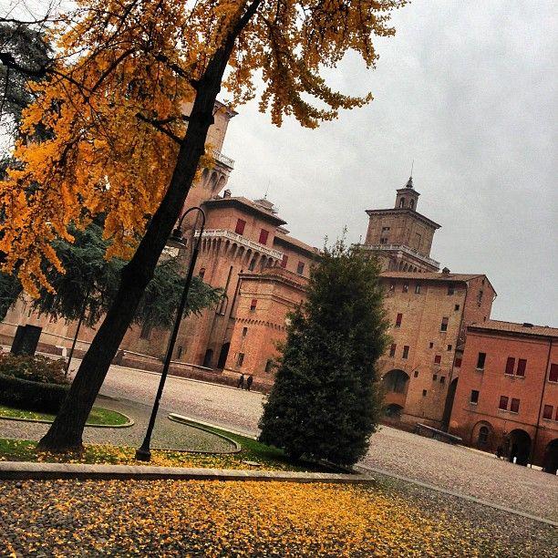 Autumn colors in Ferrara - Instagram by @zenogovoni