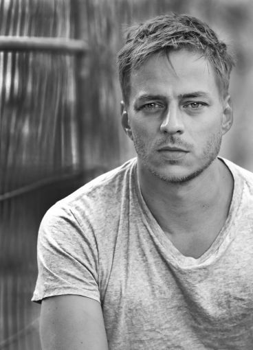 Jaqen all cleaned up (Tom Wlaschiha)
