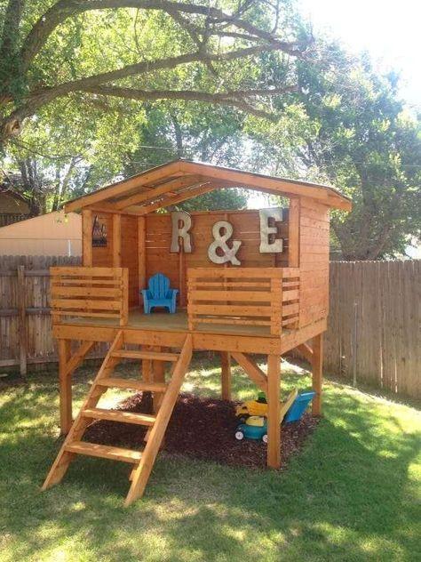 Une magnifique cabane de jeux!  21 créations géniales pour enfants avec des palettes
