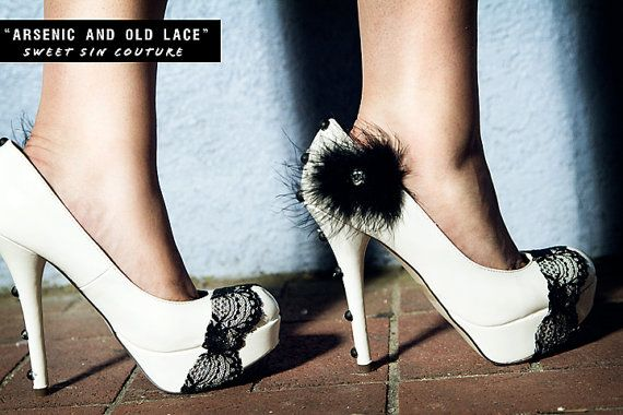 In love.!: Black Lace, White Shoes, Wedding Shoes, Lace Heels, Black White, Black Shoes, Lace High Heels, White Heels, Shoes Shoes