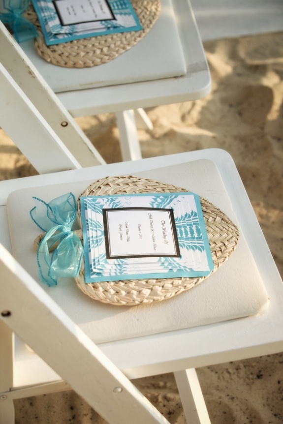 favors and great way to keep your guests cool
