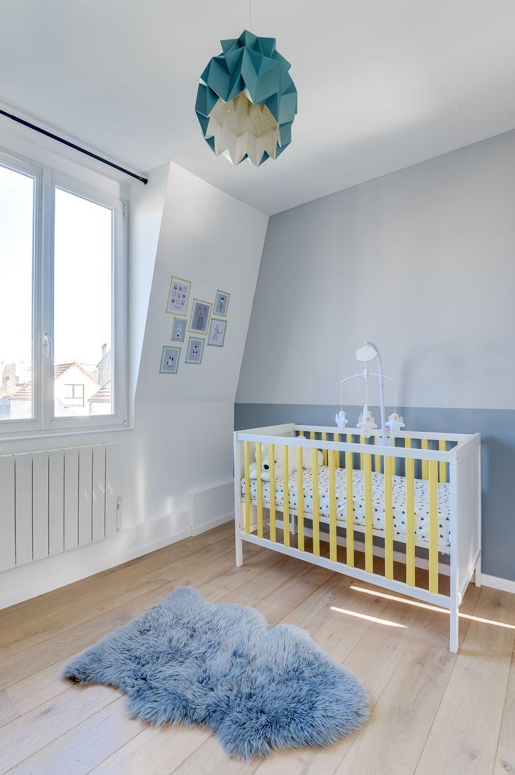 Chambre de bébé toute douce à Asnières-sur-Seine, totalement rénovée par l'agence d'architecture Transition Interior Design