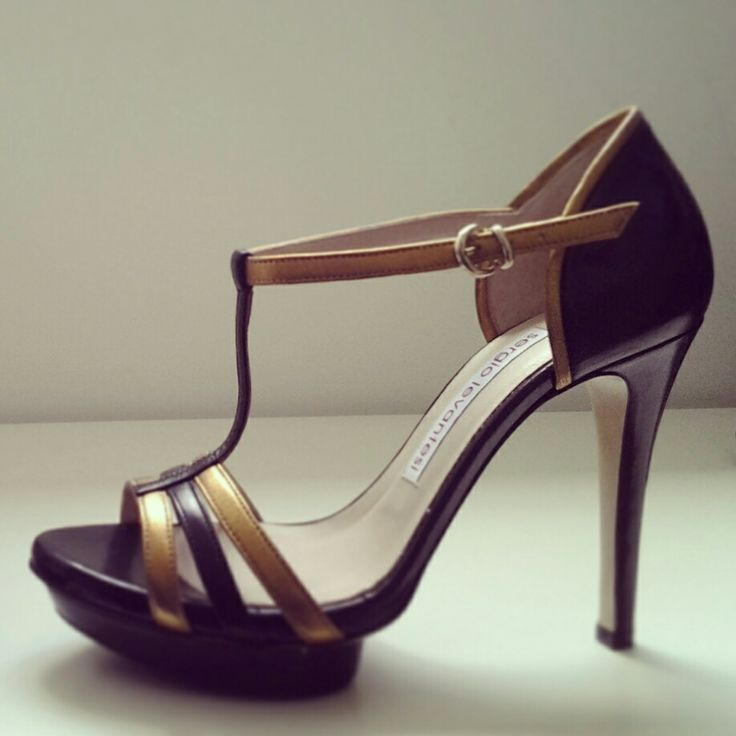 #tbar gold and black #sandal for @sergiolevantesishoes collection. #fashion #heel #gold #fashioncolour #summer