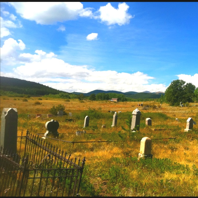 old cemeteries fascinate me...I'm aware that is creepy.