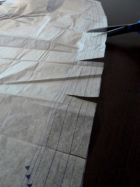 Pattern tracing vs. cutting — This alternative method quickly allows you to cut the size you need while retaining lines for larger sizes. Clever!