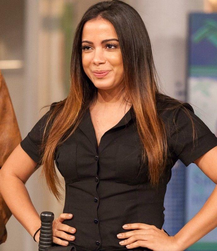 RetaFinal.blogspost.com: Anitta encarna policial sexy na estreia de Tomara ...