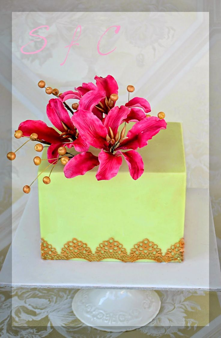 Sharp edges square cake Sugar flowers Creations-Nicky Lamprinou: ΣΕΜΙΝΑΡΙΑ