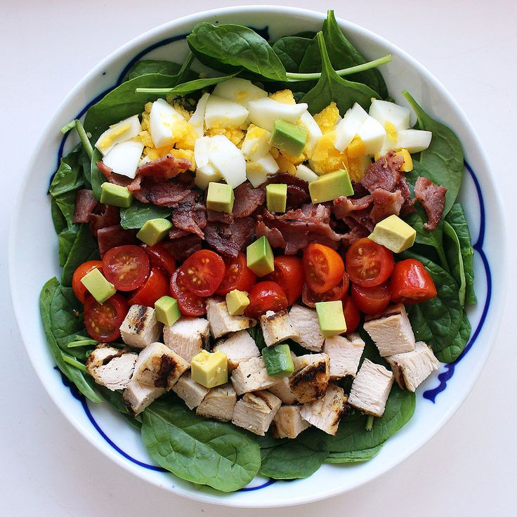 This 370-Calorie Cobb Salad Will Be Your New Favorite Lunch: A Cobb salad may sound like a healthy order, but more often than not, it's a sneaky calorie bomb.