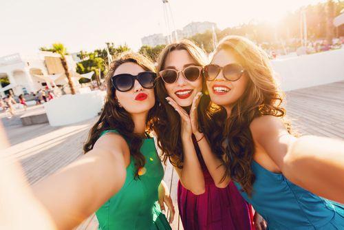 友達だけかわいい写真の拡散Stop飲み会で撮られ美人になる4つの鉄則