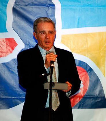 Senadores de izquierda revivieron debate por paramilitarismo a Álvaro Uribe
