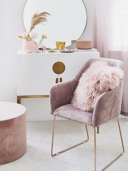 Pink 💗 Puderrosa ist weiblich, elegant und schick. Es kann im Wohnzimmer, im Schlafzimmer, im Arbeitszimmer und sogar in der Eingangshalle verwendet werden. Zu uns …