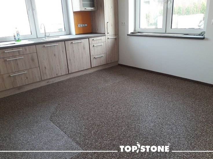Realizací mramorového kamínku TopStone Arabescato Vás vítáme po prodlouženém víkendu :). Část struktury povrchu pod kuchyňskou linkou je uzavřena materiálem TopGel. Děkujeme za foto :) Jak se Vám líbí? :) https://eshop.topstone.cz/kamenny-koberec-arabescato-interier.html #topstone #mramorovýkoberec #kamínkovýkoberec #interiér #kuchyně #design