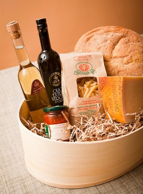 Giveaway: Gourmet Gift Basket from Parmesan.com | Steamy Kitchen Recipes