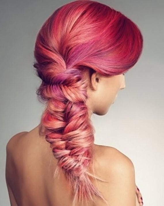 Gorgeous color! Look at this fishbone braid that is going sideways at the top! CRAZY intricate. I could never. :(
