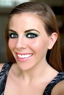 Madame Macabre: Looks Inspiradores: maquillaje gótico en verde.