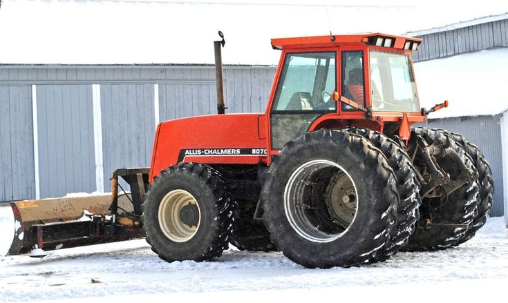 Allis-Chalmers 8070 Tractor with Snow Blade