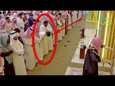 الشاب يكاد يسقط من شدة البكاء خلف الشيخ ناصر القطامي
