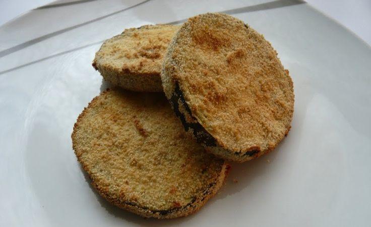 Berenjenas empanadas     Sigo con los experimentos y hoy probé esta receta que me encanta, el problema es que la receta original va con las...